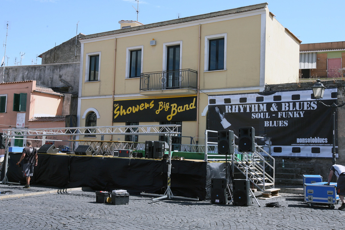 the-showers-concerto-Cisterna-di-latina-2012-0001