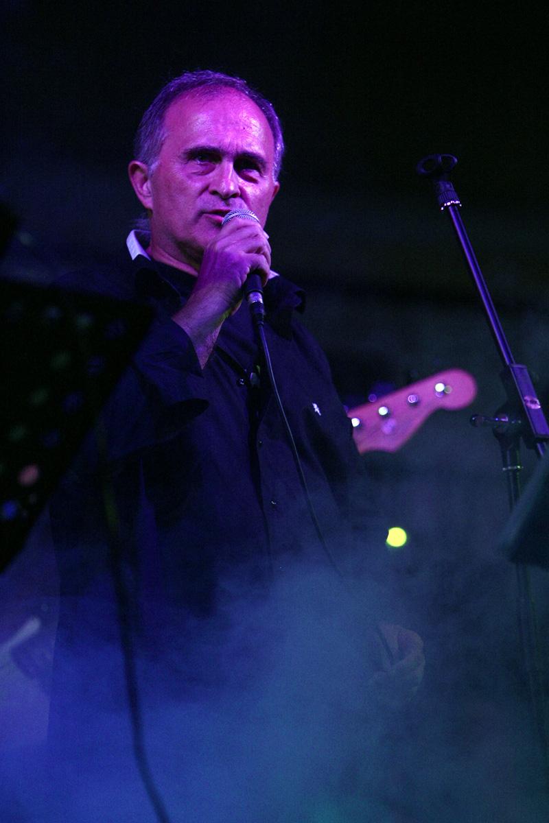 the-showers-concerto-Cisterna-di-latina-2012-0103