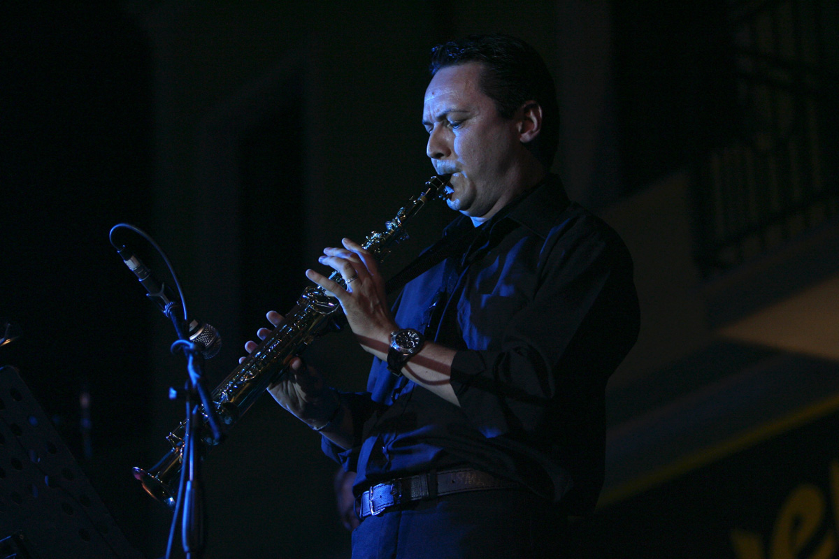 the-showers-concerto-Cisterna-di-latina-2012-0125