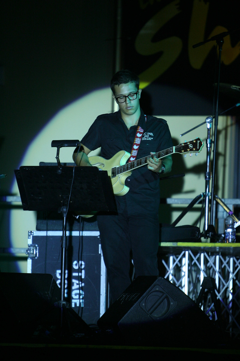 the-showers-concerto-Cisterna-di-latina-2012-0151