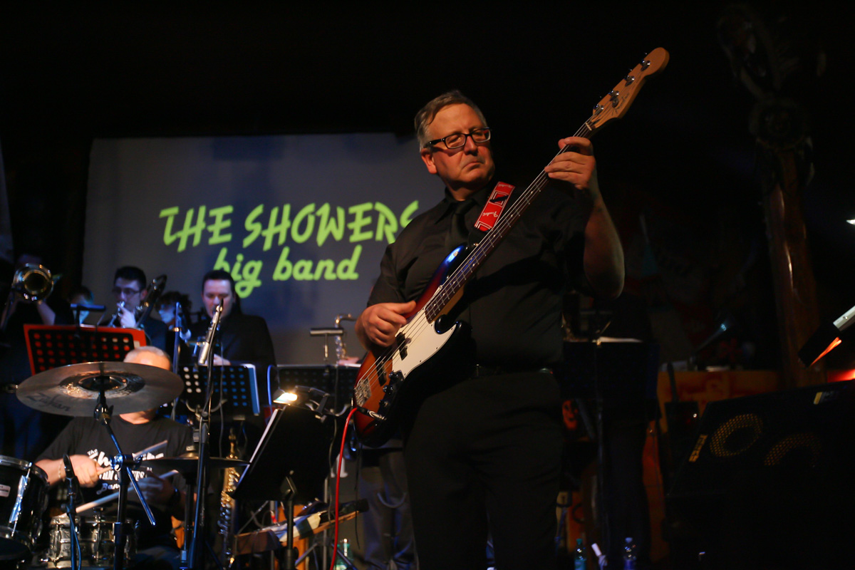 the-showers-live-at-el-paso-2013-0060